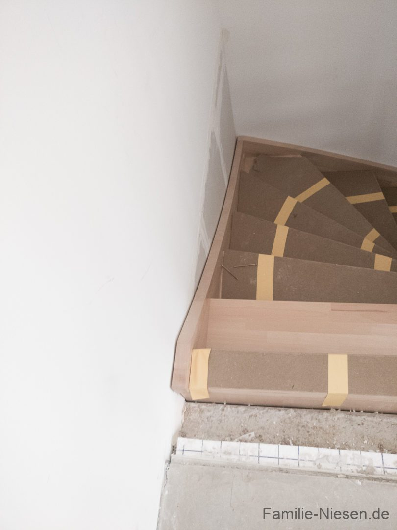 Die Treppe ist da, wir können wieder nach oben... - 20170405175453 Kampa Remagen Niesen IMG 20170405 175452 - 10